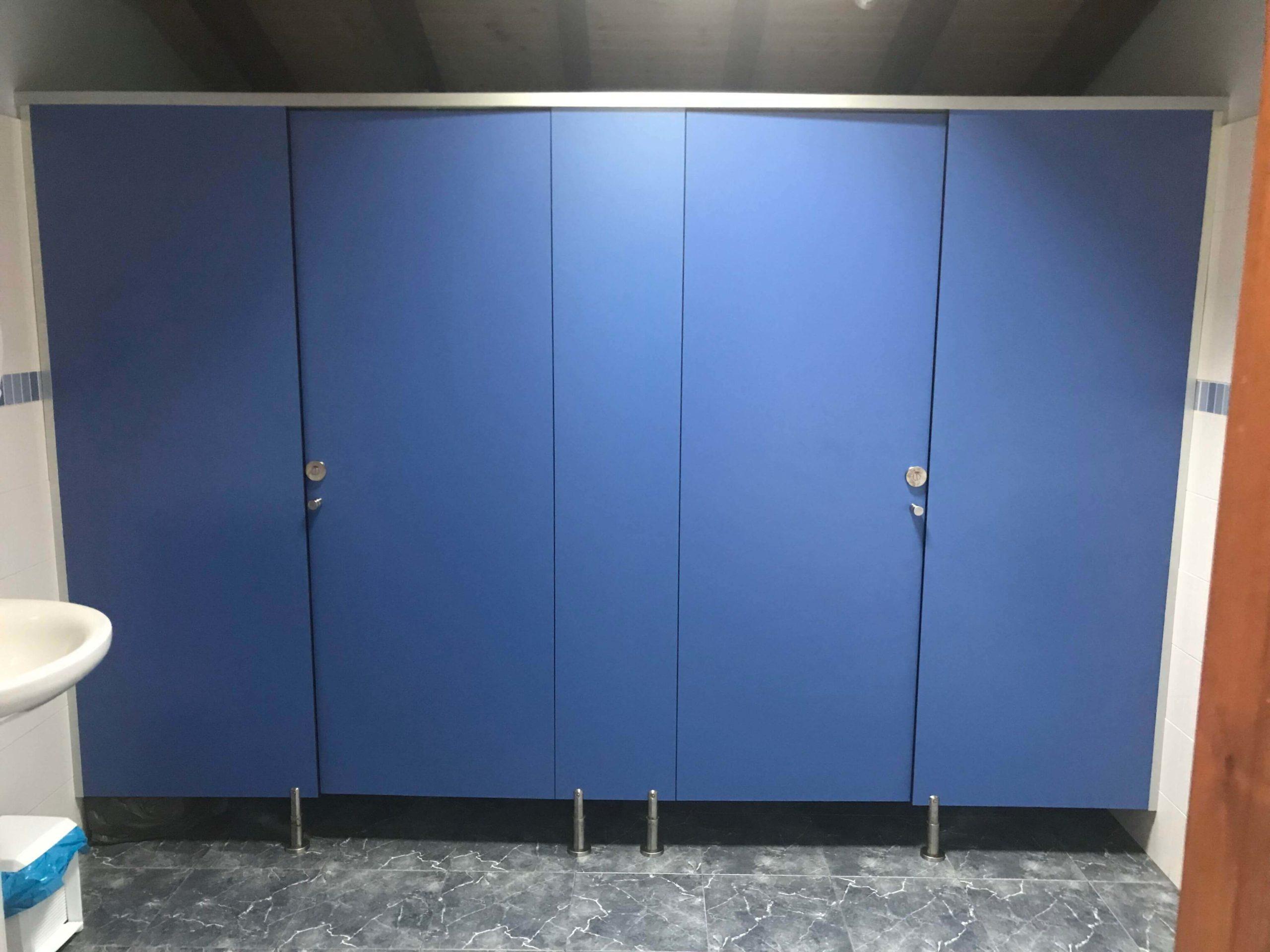 Cabina sanitaria azul